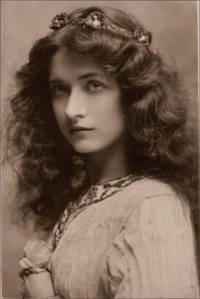 Maude Fealey