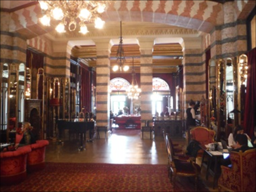 Lobby in the Para Palace Hotel in Istanbul